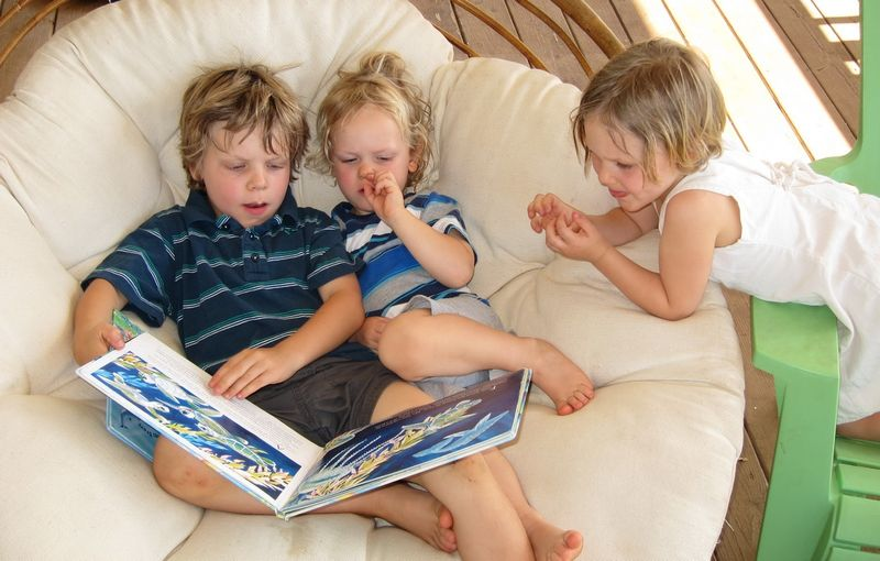 Children Reading in Maui